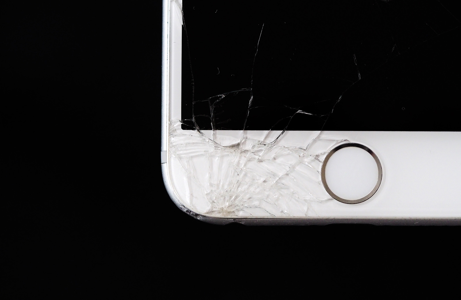 iphone with a cracked screen